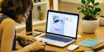 How To Optimize Your Ergonomics While Working At Home